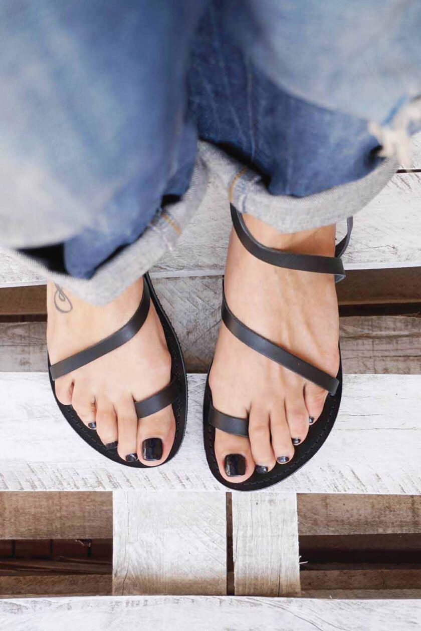 FUNKY DAY genuine leather low-heeled sandals, black