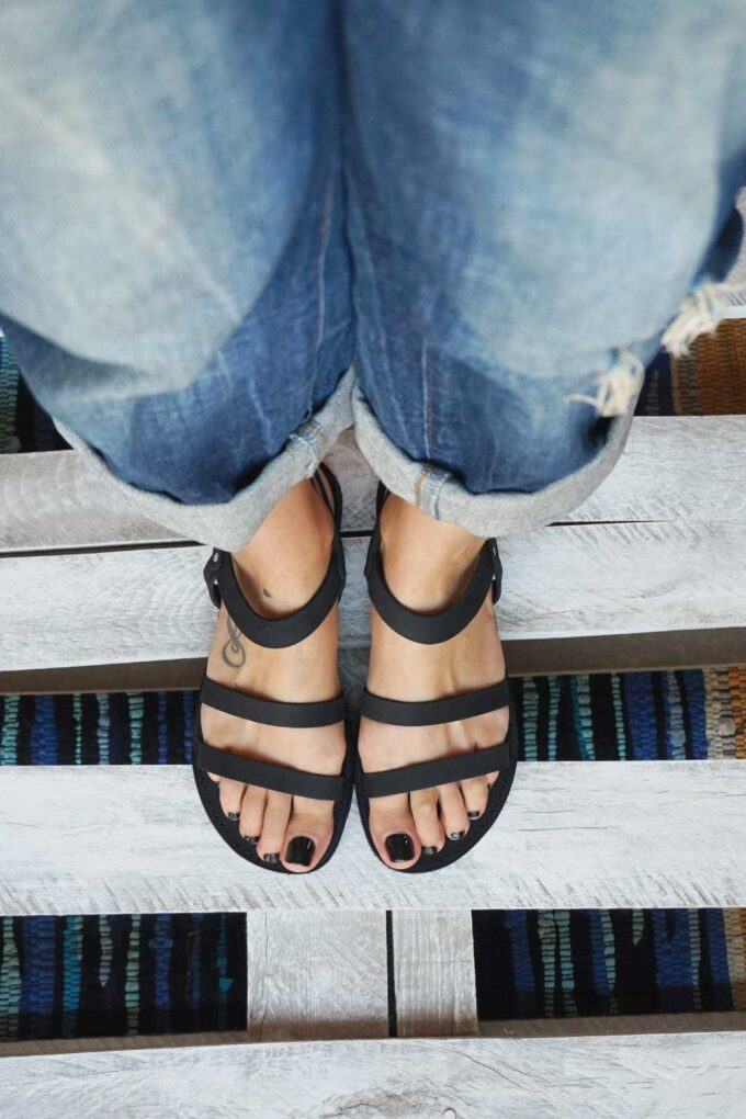 FUNKY CHIC low-heeled sandals, black